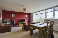 3 bedroom Apartment for sale in Victoria Way, Charlton