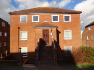 Flat to rent in Carew Road, Eastbourne...