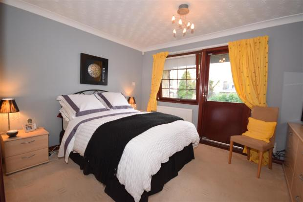5-Master Bedroom USE