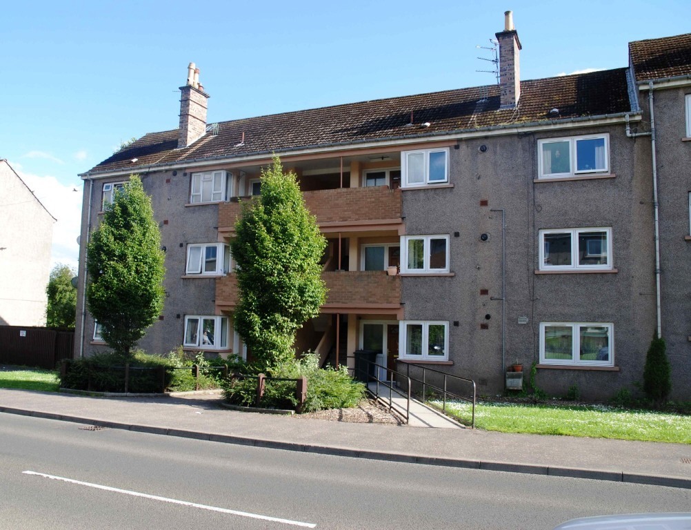 2 bedroom flat for sale in 124f rannoch road letham perth ph1