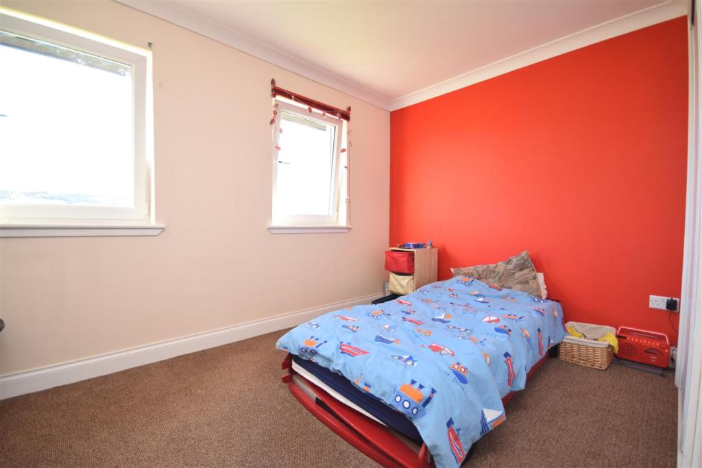 Bedroom 3 .JPG