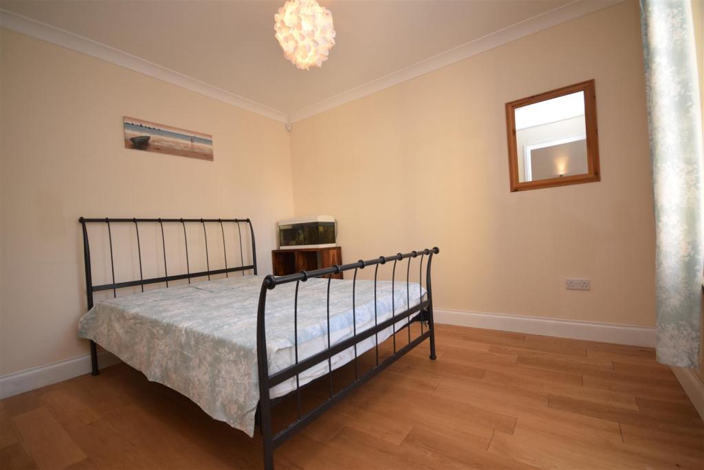 Bedroom 6 .JPG