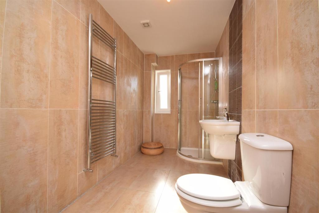 Bedroom 6 En-suite .