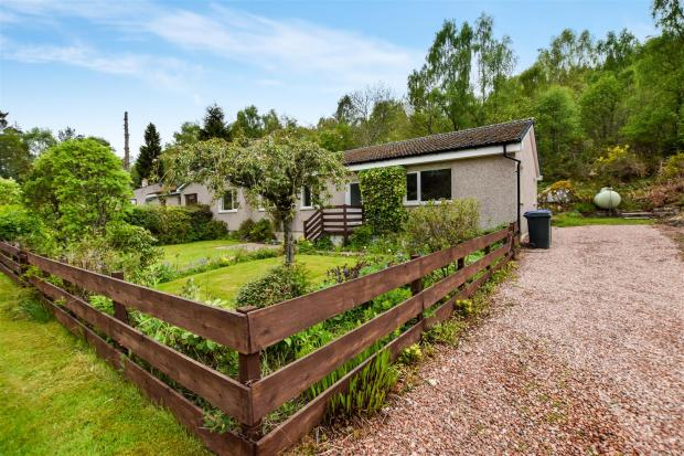 4 bedroom bungalow for sale in dalcroy cottages tummel for Cottages and bungalows for sale