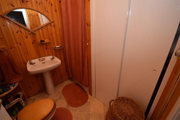 Shower rom.JPG