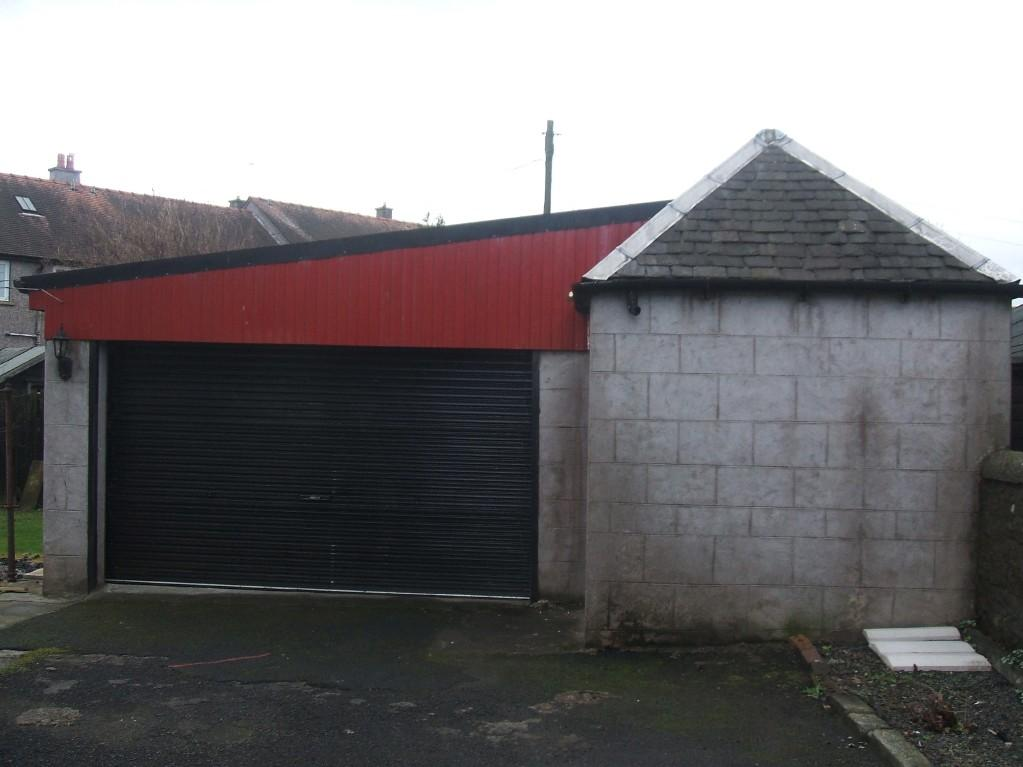 GARAGE WITH WORKSHOP