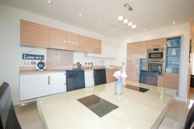 Kitchen/Family Livin