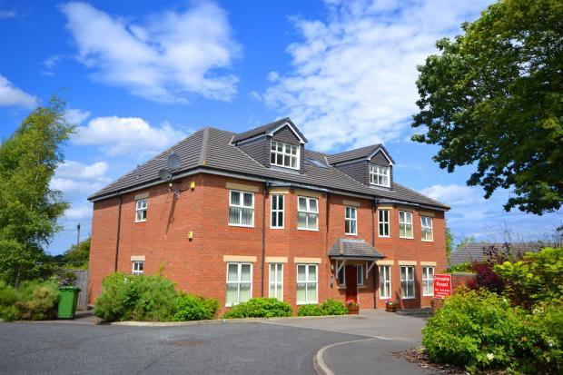 Moorhill Court01.JPG