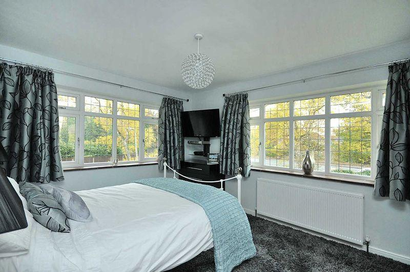 Silver design ideas photos inspiration rightmove home for Bedroom ideas grey carpet
