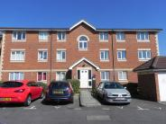 2 bedroom Flat to rent in Broad Oak Close...