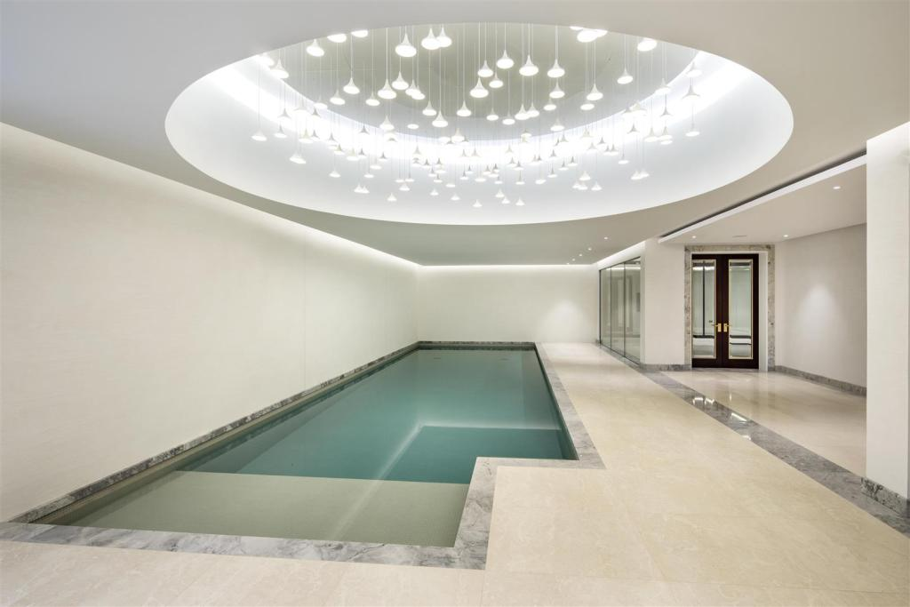 Huxley House,Pool & Sport