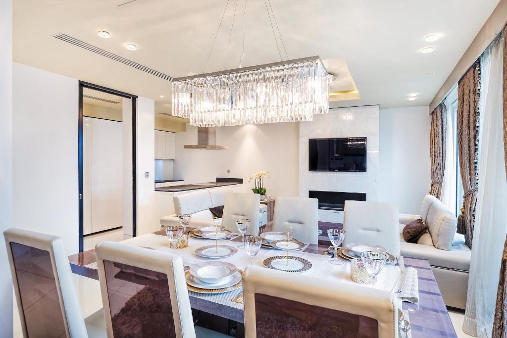 375 Kensington High Street,Dining room