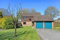 4 bedroom Detached home in Alresford