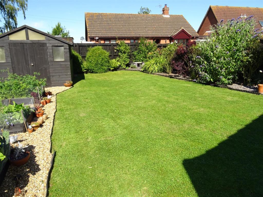 four gables garden 3