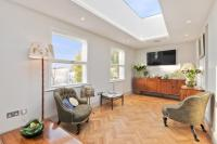 2 bedroom Flat in St. Stephens Gardens, W2