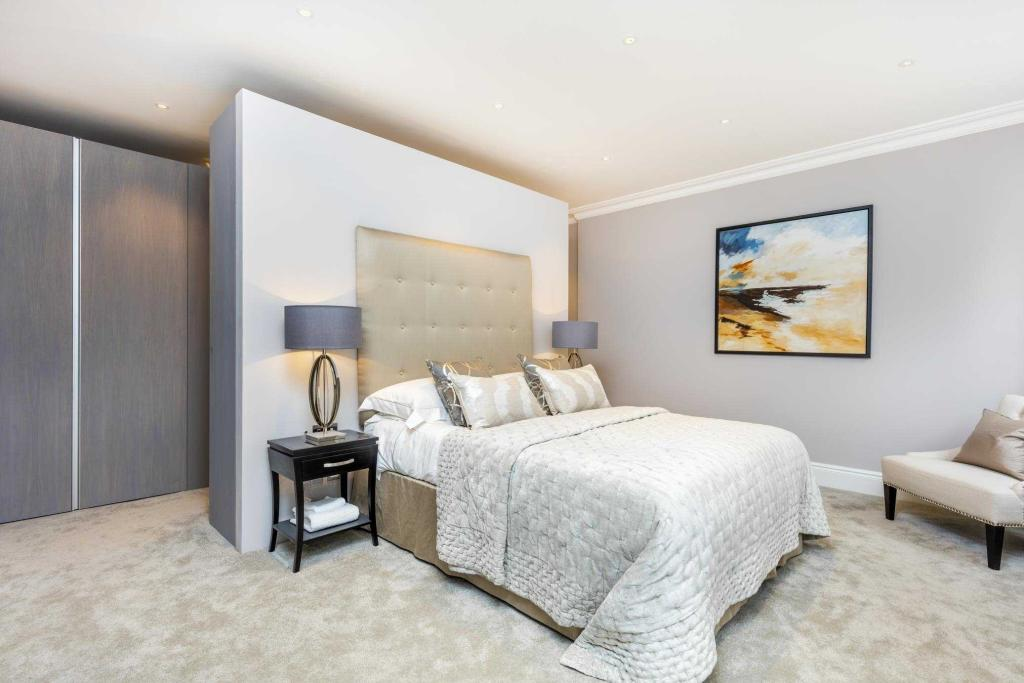 EatonPlace bed-27