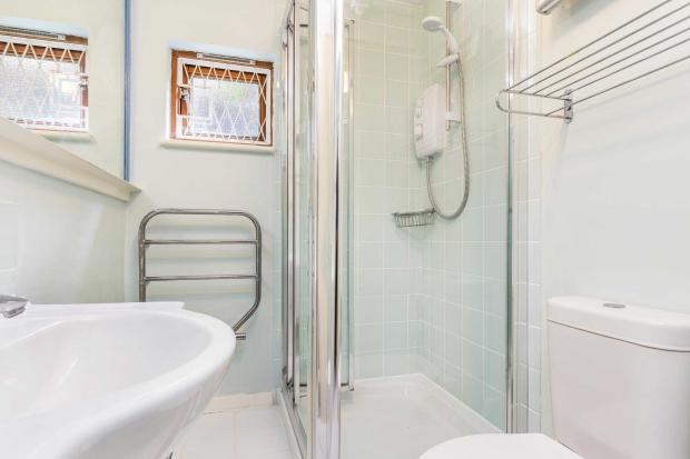 Moreton Street - bathroom