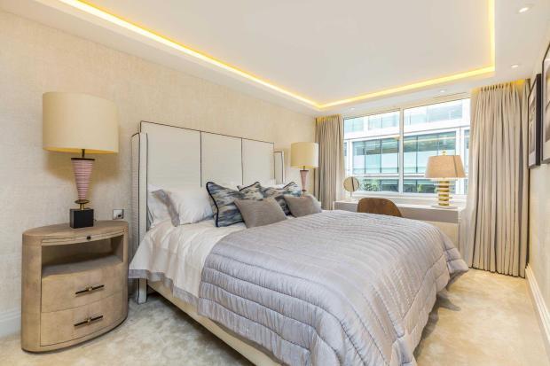 Ebury Street - bed