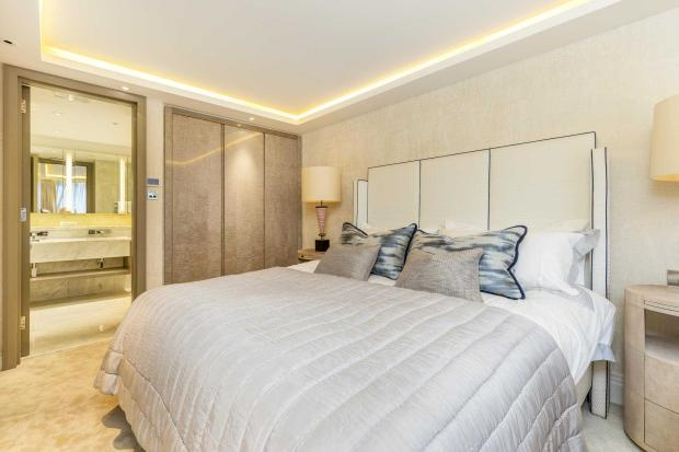 Ebury Street  bed-