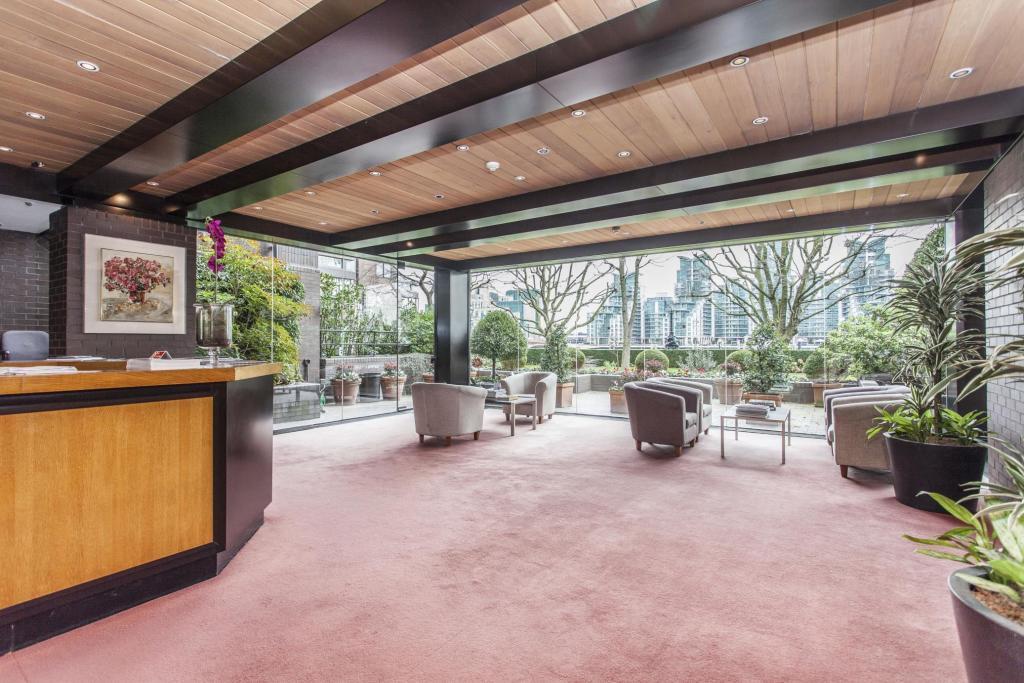CrownReach - building reception & waiting area
