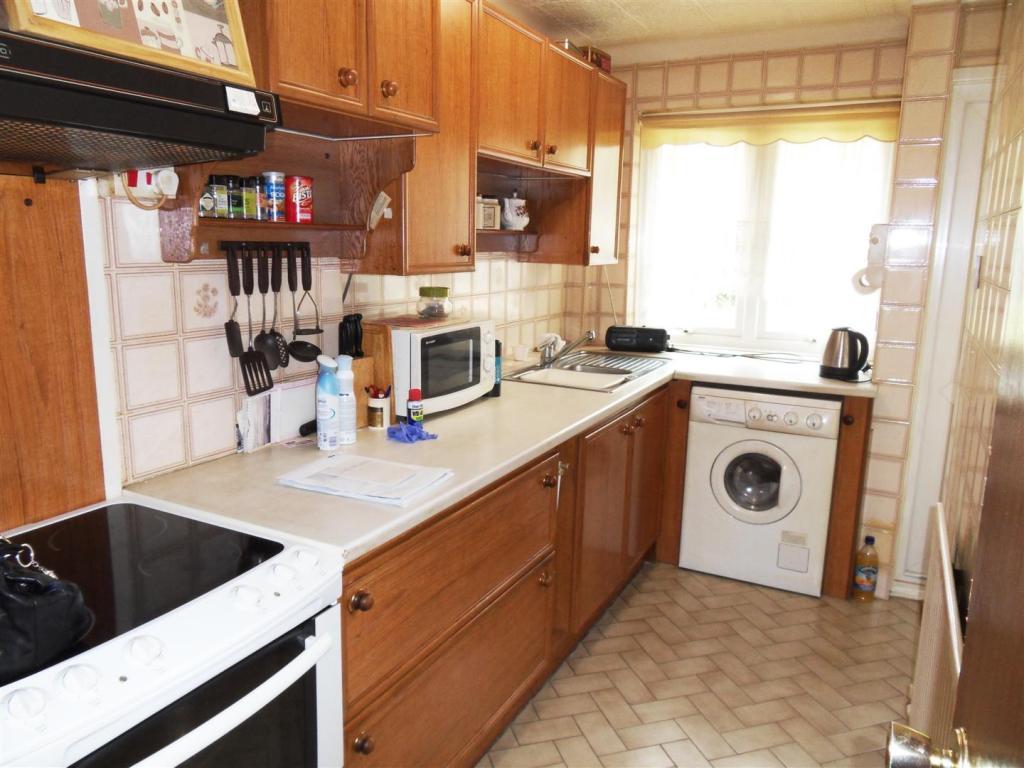 16 Mill Way kitchen.