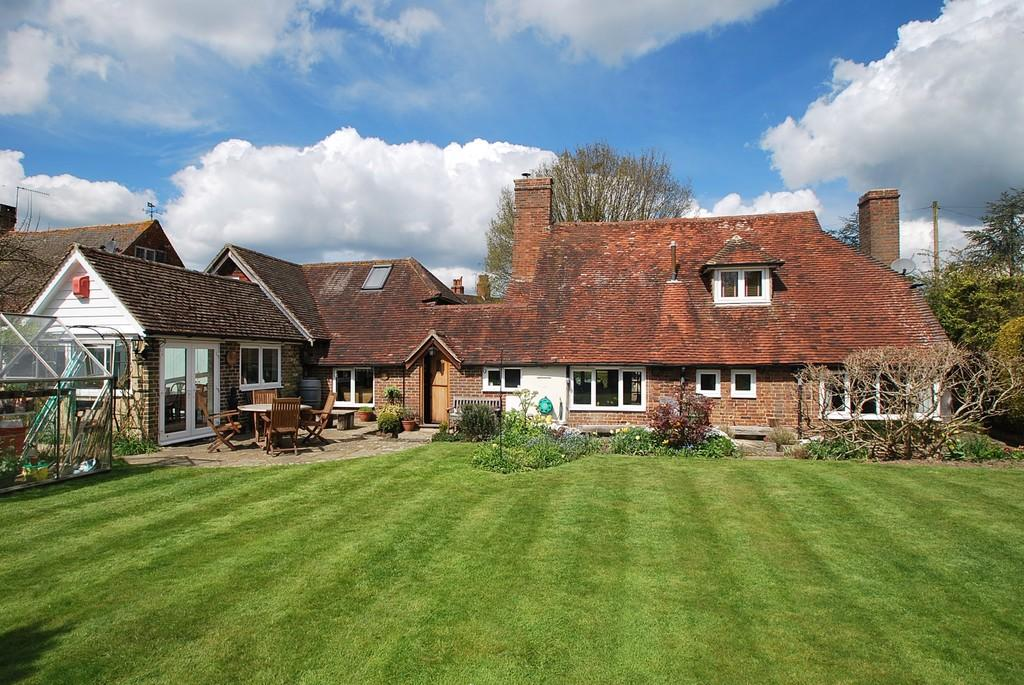 3 Bedroom Detached House For Sale In Lingfield Surrey Rh7