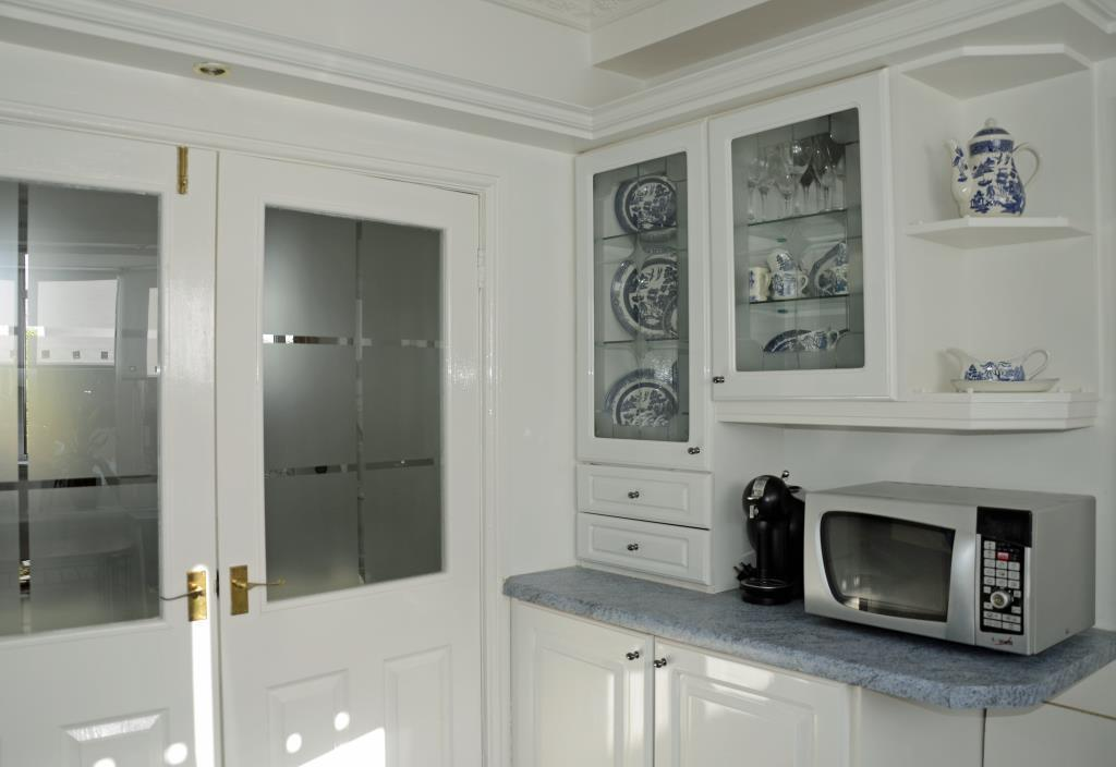 kitchen4_lge.jpg