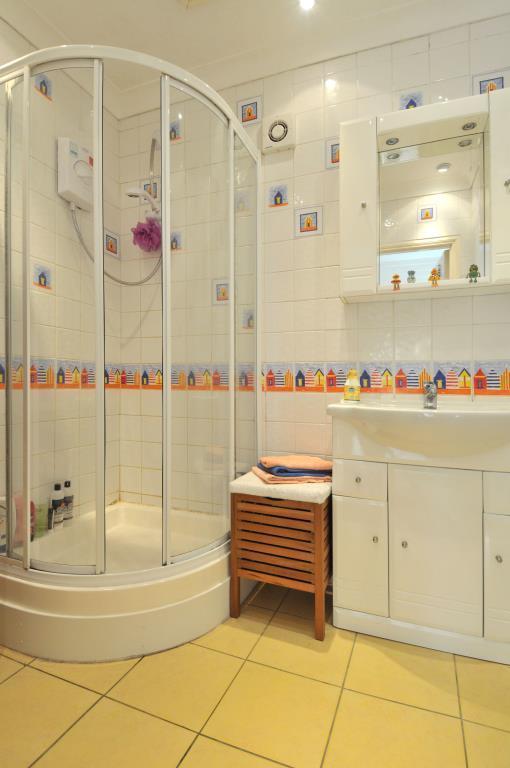 shower_lge.jpg