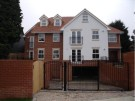 2 bedroom Ground Flat in Stock Road, Billericay...