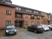 Flat to rent in Greenacres, Gyln Avenue...