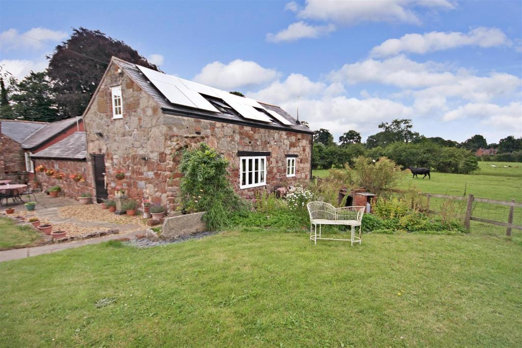 BARN HOLIDAY COTTAGE