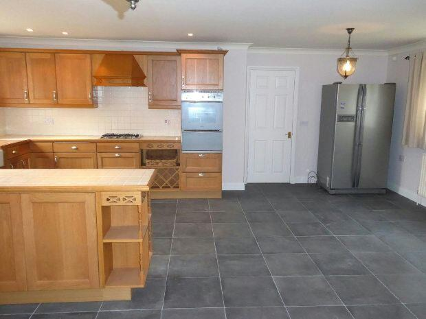 Kitchen/family room,