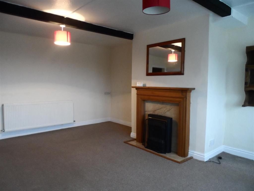 2nd living room /