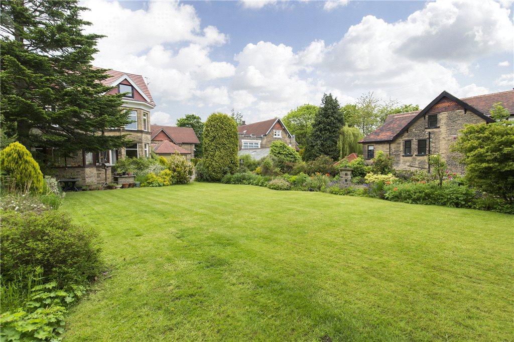 Long Front Garden