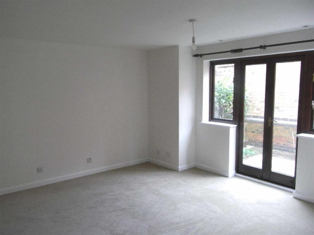 2 bedroom apartment to rent in river way shipston on for Living room of satoshi tax