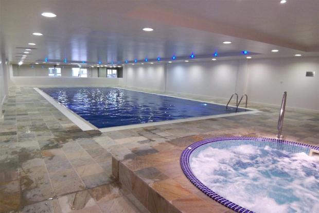 2 bedroom apartment to rent in atlantic house portland dt5 for Houses to rent with swimming pool uk