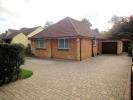 2 bedroom Detached Bungalow in Segensworth Road, Fareham
