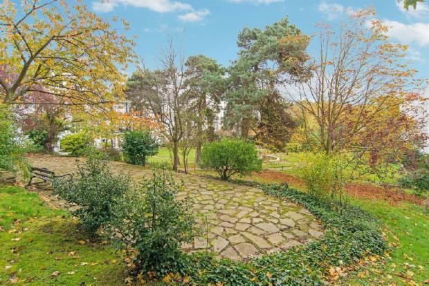 Communal Gardens vie