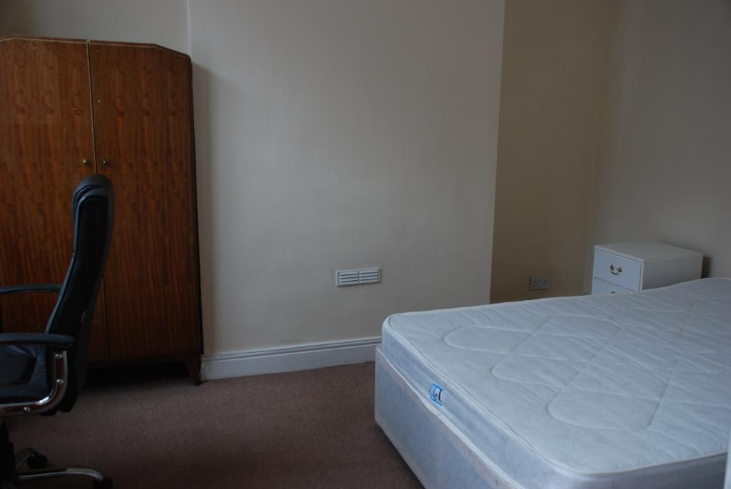 Bedroom/Reception ro