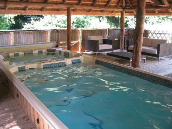 Hot Tub & Spa Pool