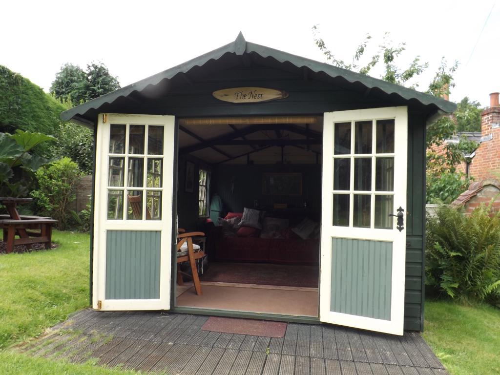 Summer House-The Nes