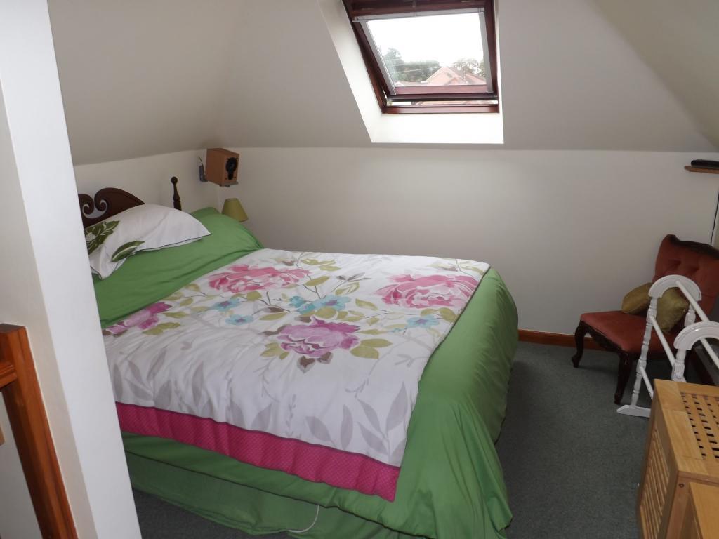 1st Floor Bedroom Su