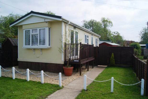 1 bedroom mobile home for sale in stubbings meadow ringwood hampshire bh24 - The mobile home in the meadow ...