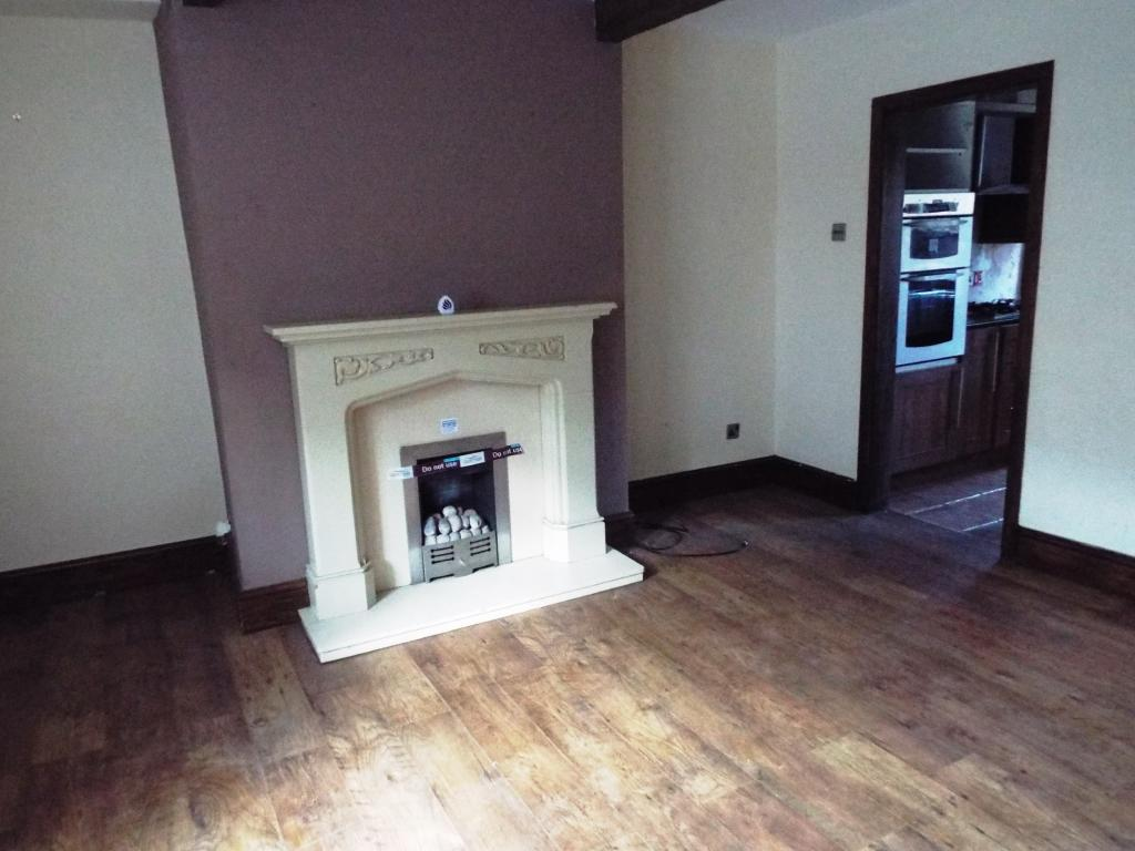 2 bedroom terraced house for sale in hadfield road for 11 x 14 living room