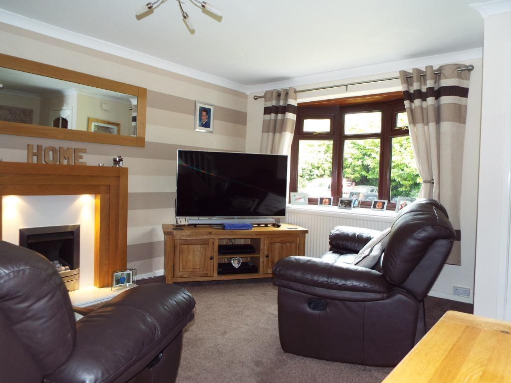 3 bedroom semi detached house for sale in riverside road for Living room manchester