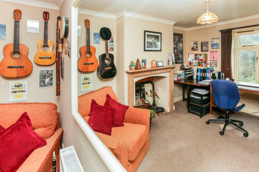 Snug/ music room
