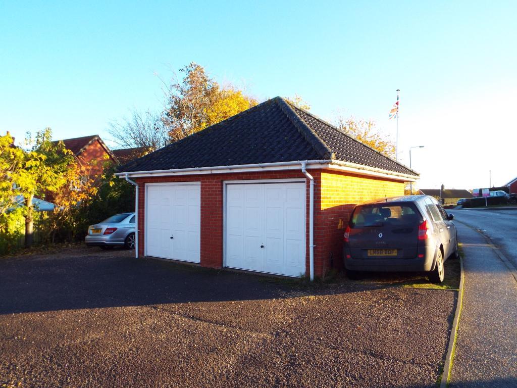 Single garage , park
