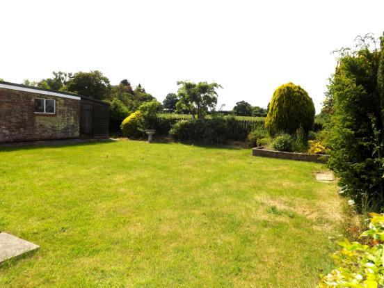 3 bedroom bungalow for sale in hadleigh road elmsett for Garden rooms ipswich