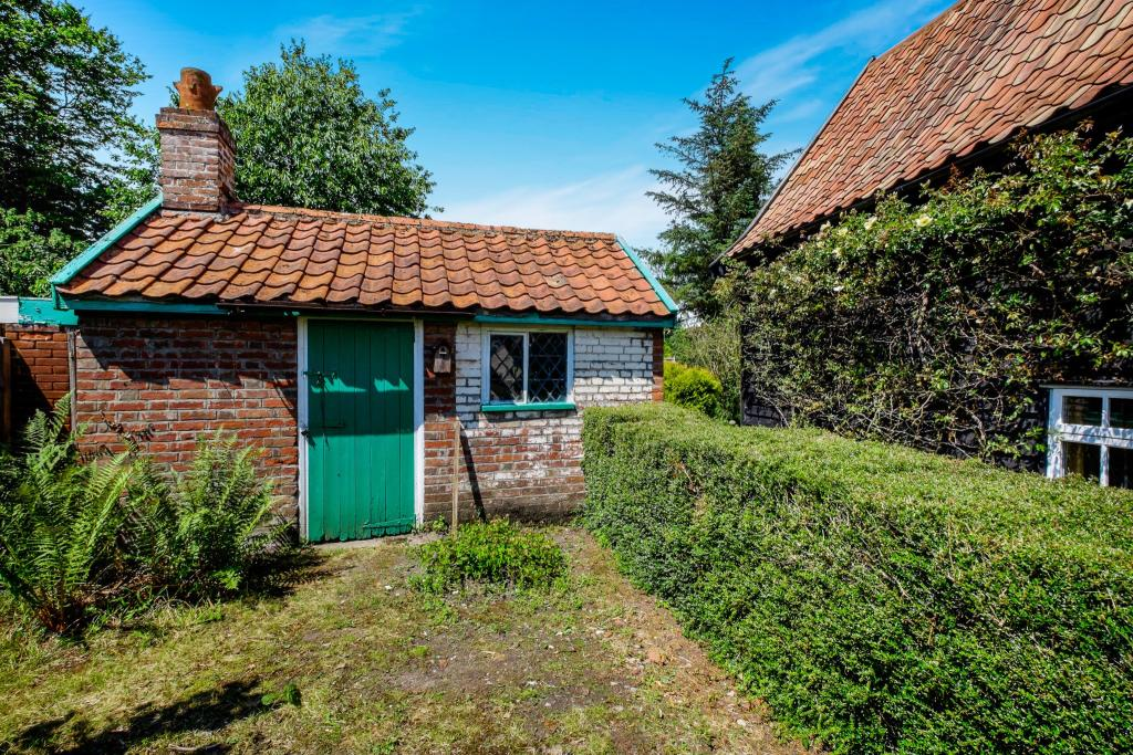 Listed Outbuilding
