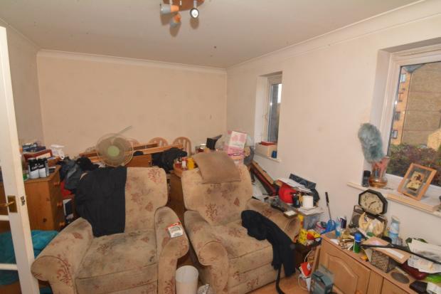 Bedroom / living roo